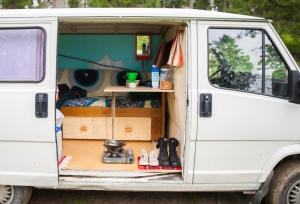 the mobile mökki is simple and honest, but provides space for everything necessary during a travel on the road